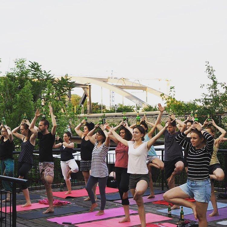 Новый тренд - пивная йога